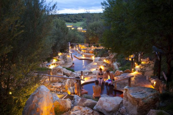 Hot springs tours from Melbourne